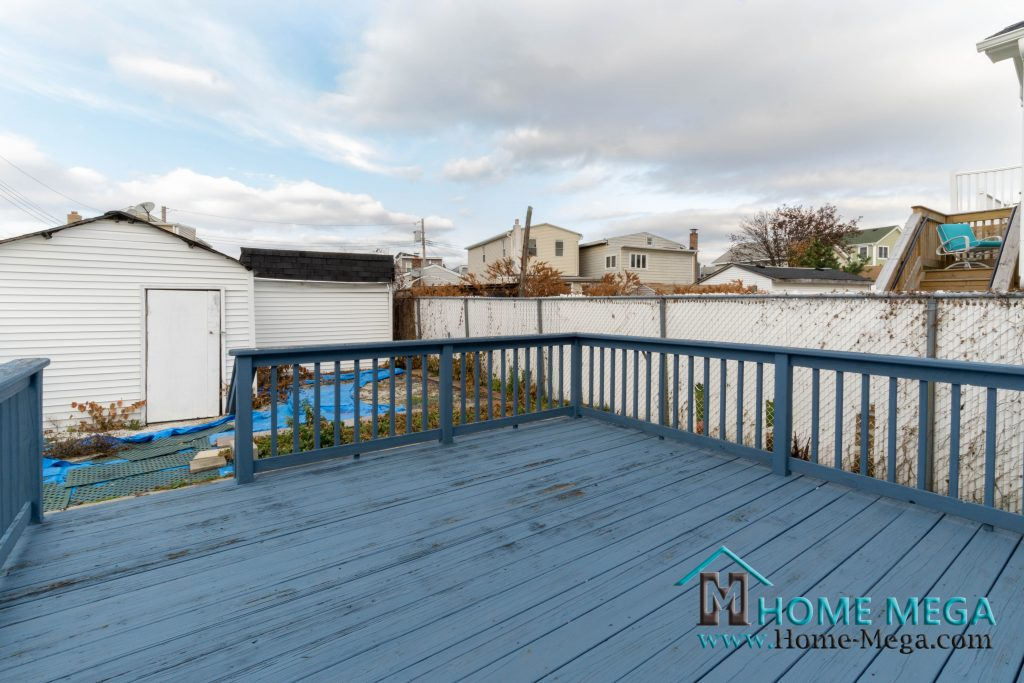 103 E 7th Rd Broad Channel, NY 11693