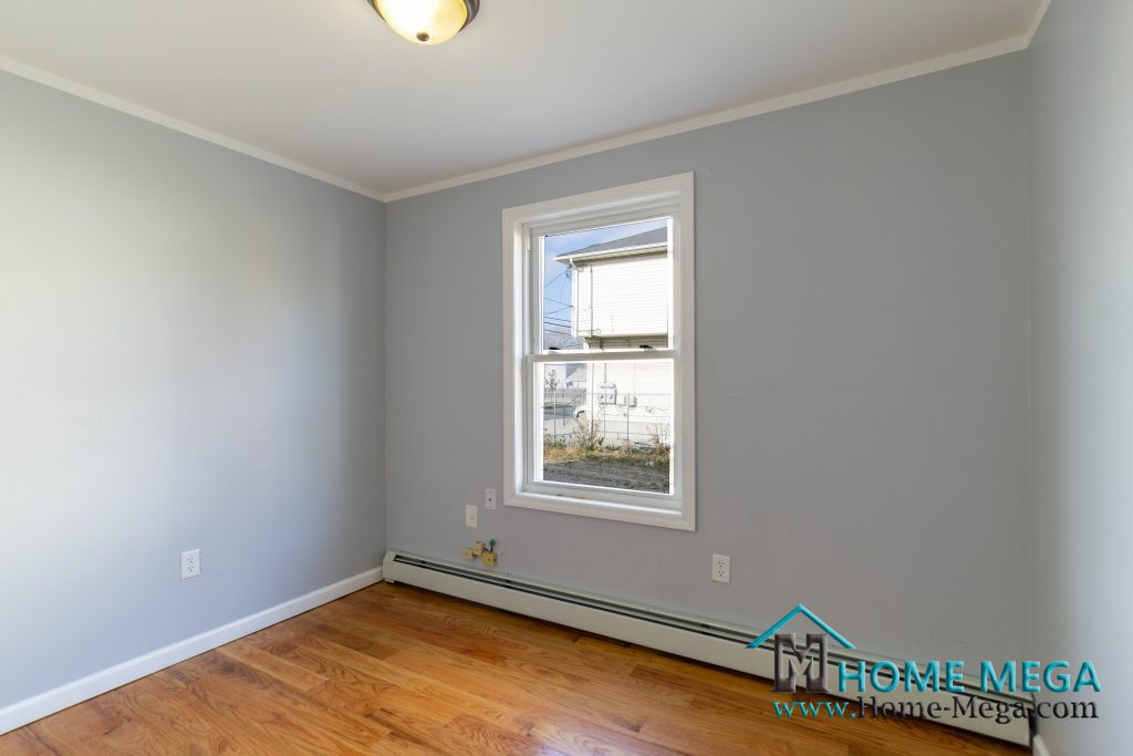 502 Beach 43 St, Queens, NY 11691