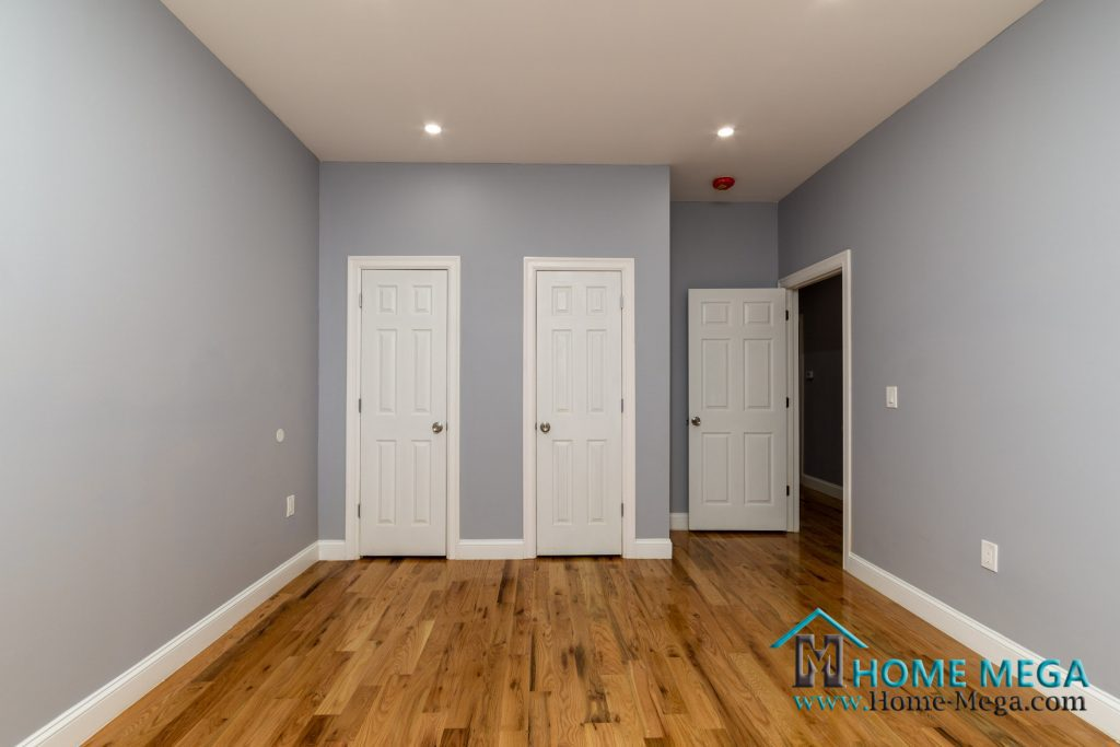 Houses for sale in Queens