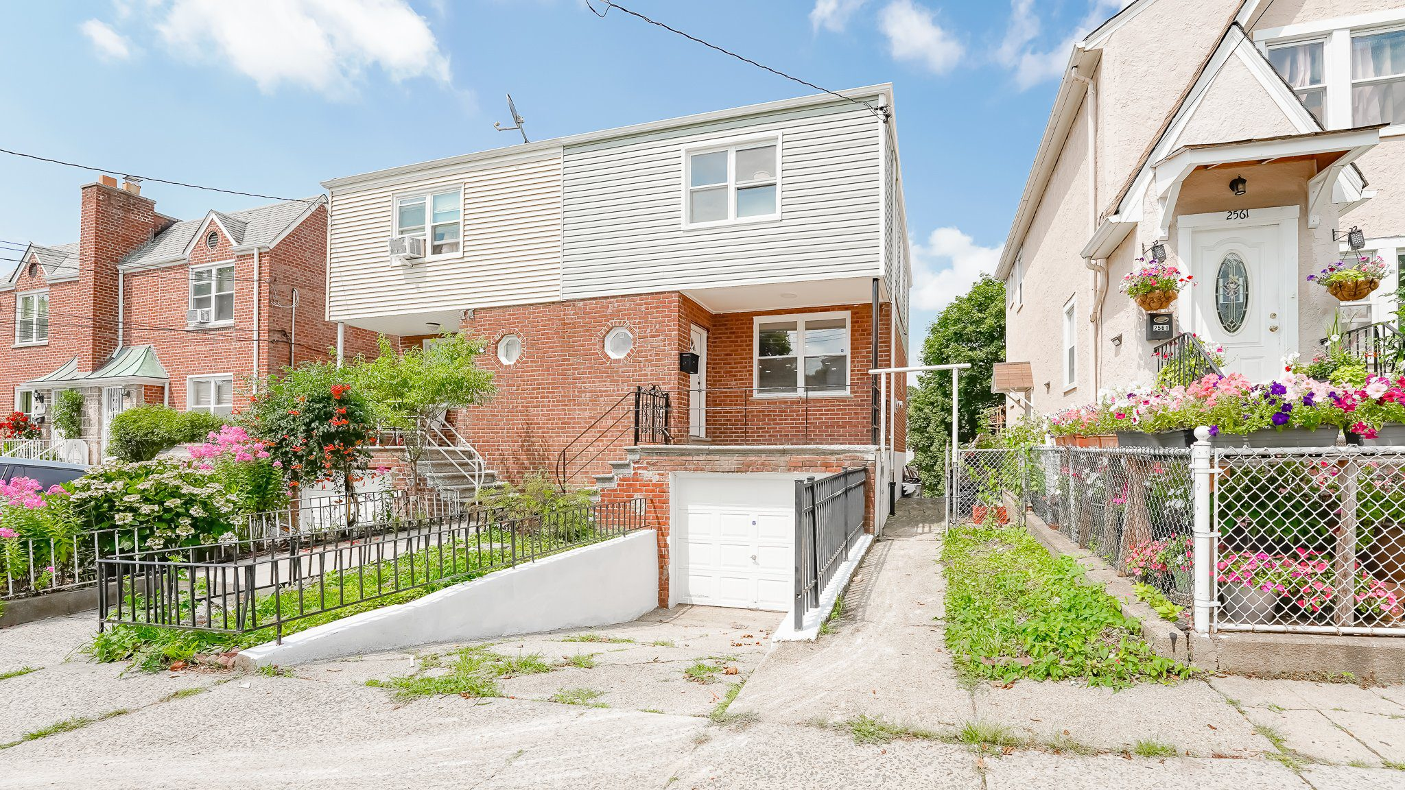 One Family for sale in Pelham Gardens, Bronx NY 10469. THIS gorgeous one Family has everything on your List and FAR BEYOND!